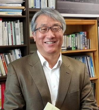 윤영민 교수