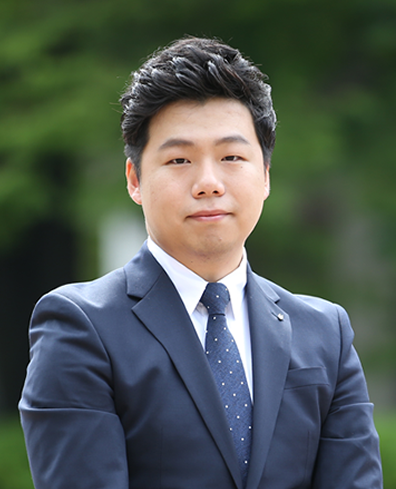 담당조교 김유신